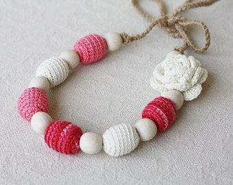 Nursing necklace White red pink necklace with flower Floral jewelry Baby shower gift For new mom Expectant mother Natural jewelry Crochet