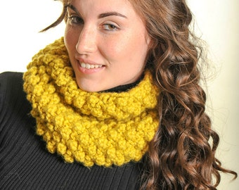 Outlander Knit Designer Chunky Raspberry Citron Cowl Scarf Chunky knit cowl Infinity Loop Cowl- Many Colors available