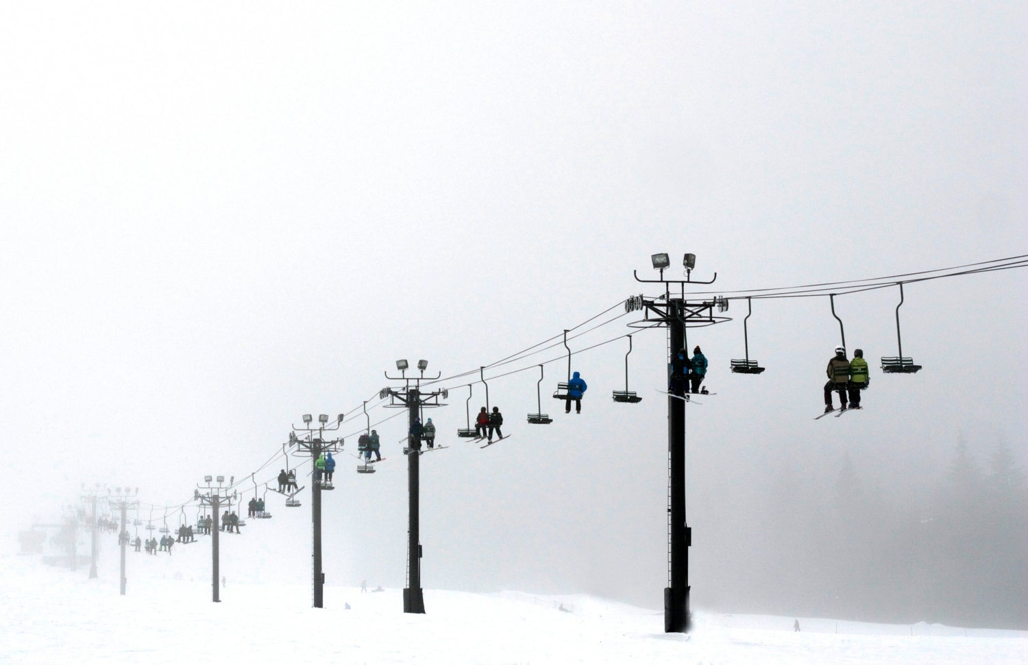 single men in snoqualmie pass Snoqualmie pass, washington historic weather averages and records (98068) snoqualmie pass, washington climate report for average, high and low temperature,.