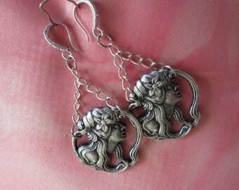 Vintage earrings, silver tone earrings, clear rhinestones ear hook earrings, fashion earrings, pierce earrings,
