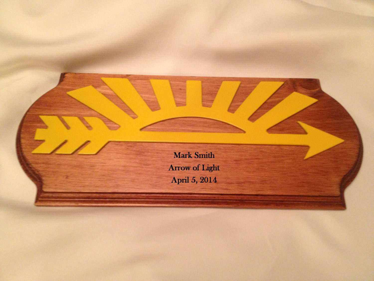 cub scout arrow of light award 2 pine plaque. Black Bedroom Furniture Sets. Home Design Ideas