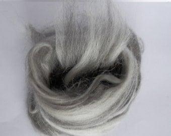 Uruguayan Blend Merino and Alpaca undyed wool top roving 2 oz (50gr)