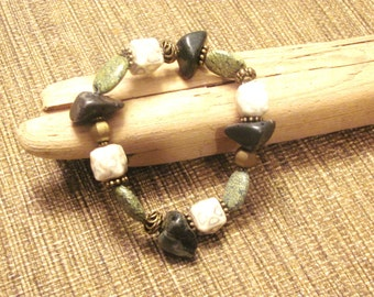 Green Jasper and Brass Stretch Bracelet