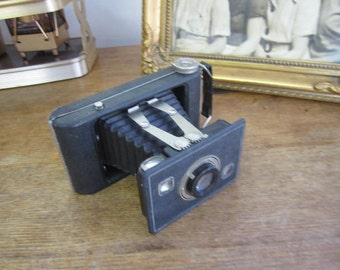 Vtg Eastman Jiffy Kodak six-20 Twindar Lens Folding Bellows Camera.