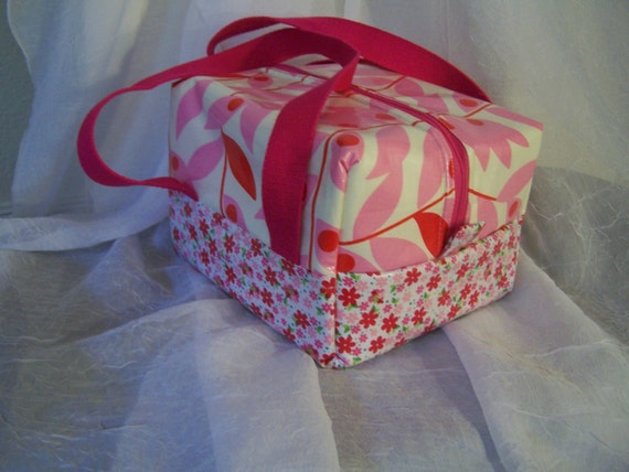 Pretty in Pink Executive Lunch Bag, BPA Free moisture resistant lining, Bento Box Zippered, insulated