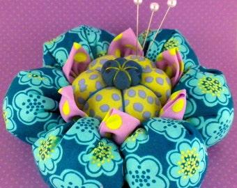 Cactus Blossom Pincushion Pattern by La Todera, fabric flower, kanzashi, diy pdf pattern tutorial, quilt, sewing room, craft