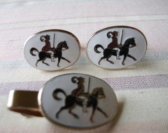 Cavalry Soldier Cuff Links and Tie Bar