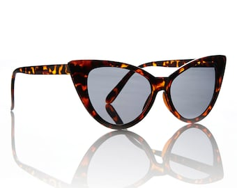 Nicky Tortoise Cat Eye Sunglasses - Smoke Lens X American Deadstock