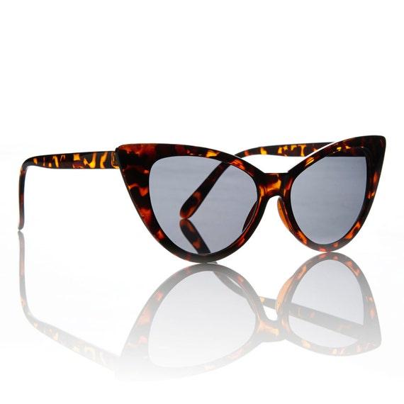 Nicky Tortoise Cat Eye Sunglasses - Smoke Lens X American Deadstock