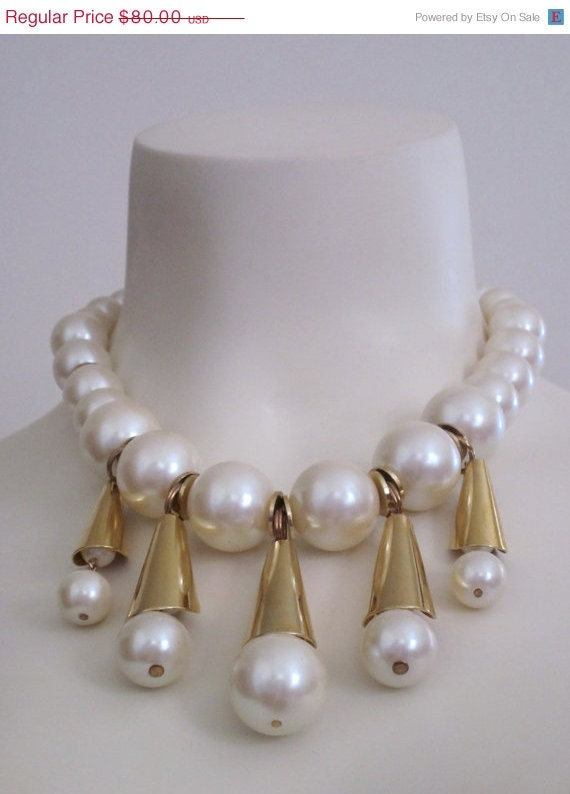 Dauplaise / Pearl Necklace / 1980s / Waterfall / Bridal / Romantic Gifts / Wedding / Dynasty / High Fashion / Designer