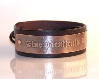 Sine paenitentia vive, sine finibus ama - Live without regrets, love without limits - Mens leather bracelet,  inscription in Latin