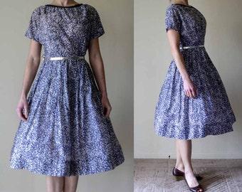 1950s Party Dress / Vintage dress / Pinup / Circle skirt / Bombshell / Medium / 28w