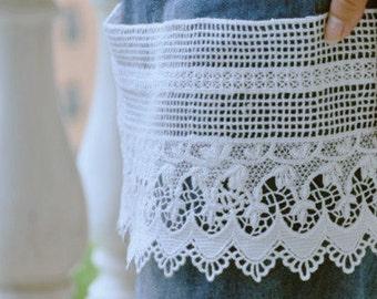 white cotton lace trim, retro lace, vintage lace, crocheted lace, scalloped lace