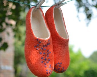 Felted slippers_orange shoes_woman house shoes_orange slippers_wool shoes_clothing_I can felt any size