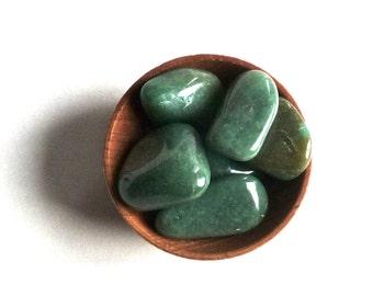 Crystals Stones --- 4 GREEN AVENTURINE --- tumbled stones--- crystal grid supplies