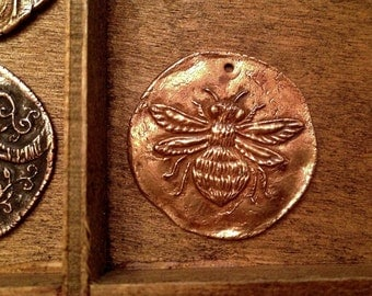 Bronze Bumble Bee Coin