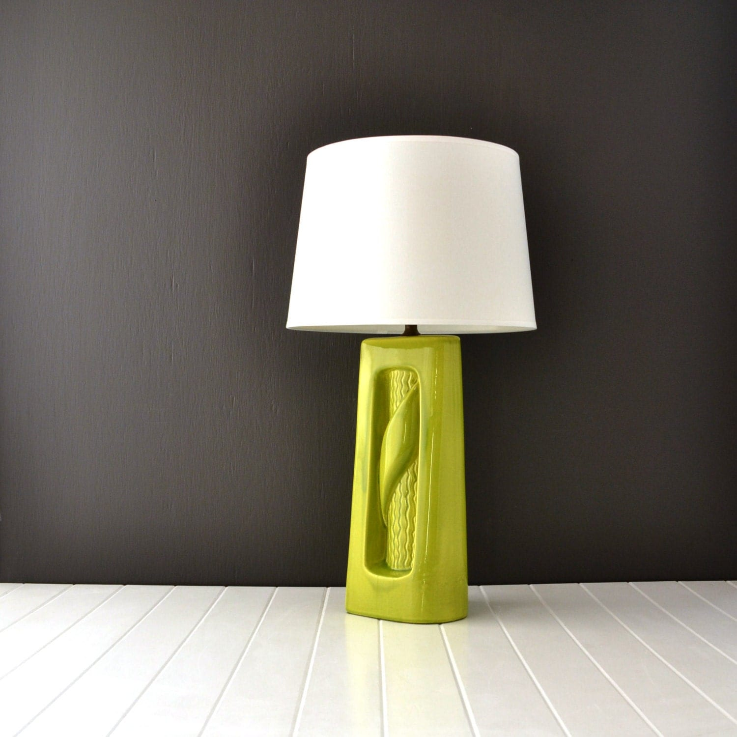 lime green ceramic lamp mid century vintage lighting nursery. Black Bedroom Furniture Sets. Home Design Ideas
