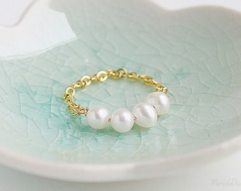 Pearl Bubbles Ring, Chain Ring, Shabby Chic Wedding Jewelry, June Birthstone, Bridesmaids Gifts