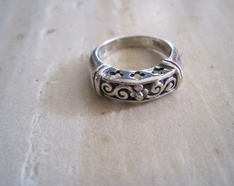 Sterling silver fiigree ring size 5