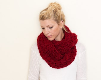 the CHARLOTTE infinity - The Chunky Cowl Infinity Scarf Shawl Hood - chili - limited quantities