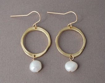 White Freshwater Pearl Gold Circle Earrings