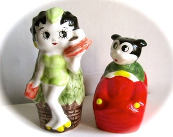 Vintage  Betty Boop and Bimbo Salt and Pepper Hawaiian Car Hop 1980s Vandor
