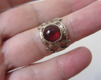 Garnet Adjustable Ring - Lace Band Ring - Pattern Band ring - Delicate ring - cherry red garnet