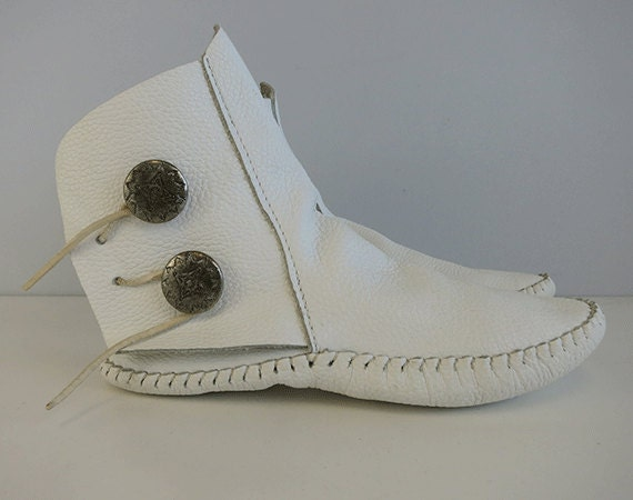 vintage taos moccasin boots white american ethnic