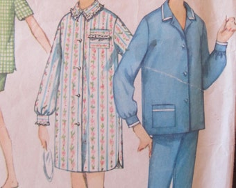 These are the Cat's Pajamas pattern 1960's misses Simplicity 4189