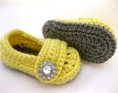 Baby shoes, crochet baby girl shoes, baby slippers, baby shoes, infant girl shoes, infant shoes, photo prop, photo props, yellow, grey