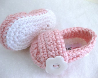 Baby Girl Infant Shoes / Slippers / Booties - White & Pink, Flower - YOUR choice size - (newborn - 12 months) - photo prop - crochet