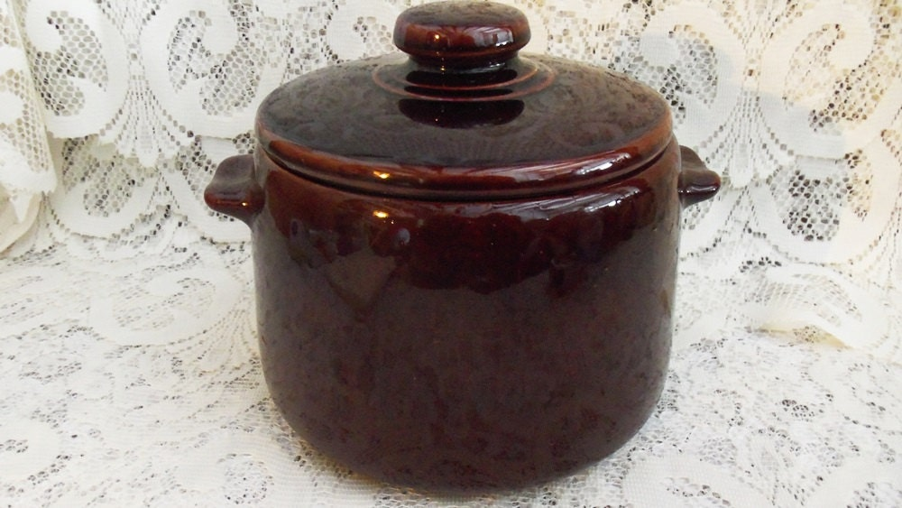Brown Old Fashioned Bean Pot