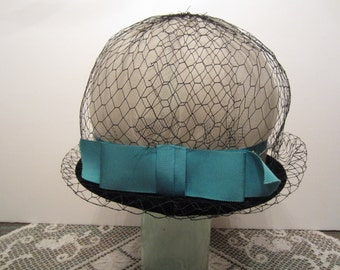 Wonderful Vintage Union Hat in Blue Black and White Cloche Hat