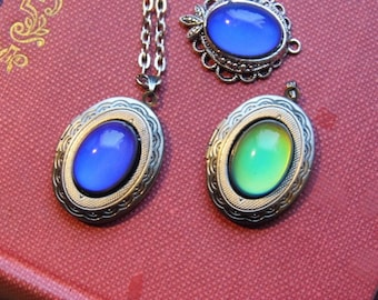Mod 70's style Mood locket - Changes color with mood - Valentine gift - Mothers day Birthday
