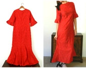 25% OFF - 60's AUTHENTIC MUUMUU - Made in Hawaii / Cherry Red / Holiday / One of a Kind / Size Large