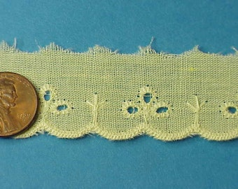 14 yards yellow cotton eyelet lace -VINTAGE- A-10