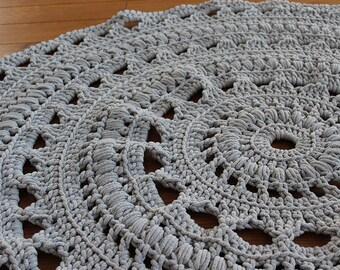 Ready to ship 4ft(130cm) handmade chunky crochet mega doily rug/light grey