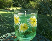 Kitschy Daisy Glass Green Gel Candle