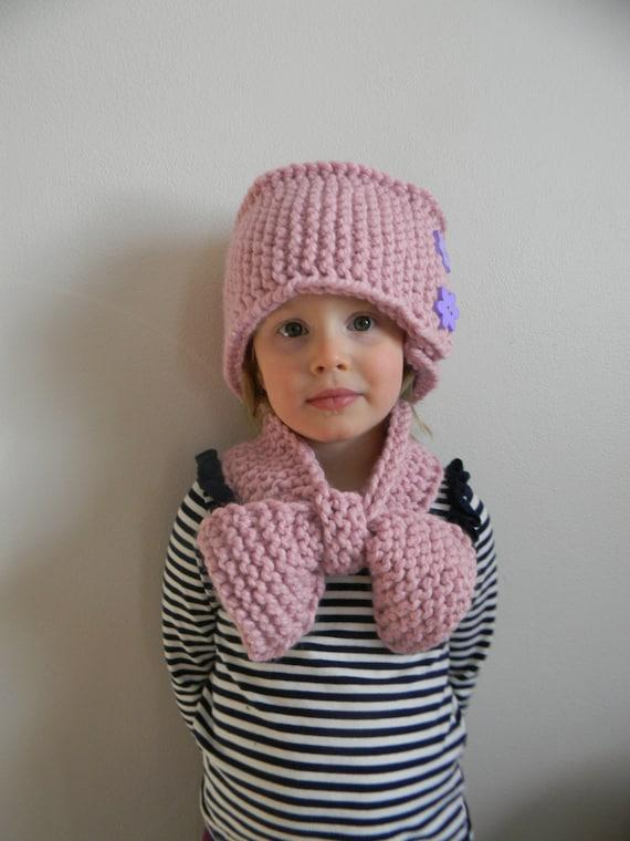 Knitting Pattern For Pillbox Hat : Knitting Pattern PDF Hand Knit Pillbox Hat, Chunky Knit Hat Pattern, Button B...