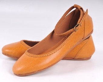 ELF. Tan leather shoes  / womens shoes / leather ballet flats / mary jane flats / mustard. Sizes 35-43 Available in different leather colors