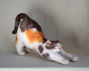 Happy cat, Felt cat, portrait similarity of your pet.....I will make this item for your order