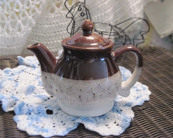 Sweet Little Country Farm Teapot :)S /SALE  Use Coupon Code CLEARINGOUT25 Must Be used at check out can not change after paying for item...