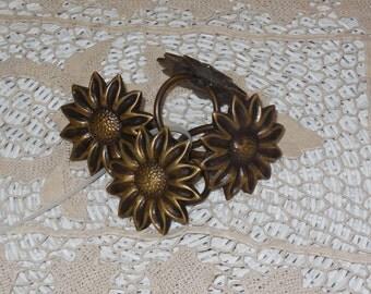 Pretty Brass Flowered Napkin Ring :)
