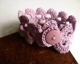 Lavender pink linen bracelet, Wedding Bracelet, Crochet Bracelet, Birthday gift, Lace Trim bracelet, Shabby chic Romantic Wide Cuff