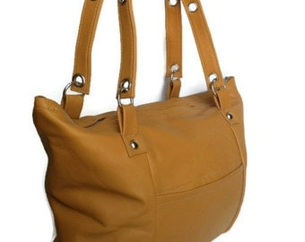Leather shoulder bag / everyday handbag /  trendy honey handbag america