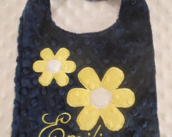 Navy and Yellow Daisy Bib/daisy/flower bib/minky bib/girls bib/personalized bib/baby shower gift/navy bib/yellow bib/monogrammed bib