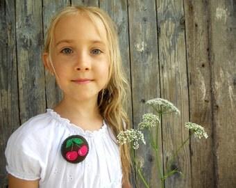 Felt Cherries brooch in brown fuchsia Summer accessory for girls Gift for girls Girls felt jewelry Children brooch