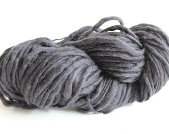 Steel Gray Color Hand Spun Hand Dyed Thick and Thin Chunky Wool Yarn