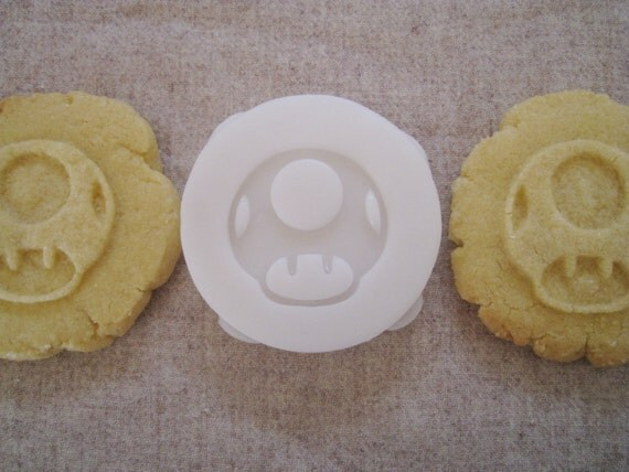 MUSHROOM toad inspired COOKIE STAMP recipe and instructions - make your very own gaming inspired cookies