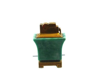 Cigarettes lighter, green bakelite, with gold tone, made in the USA, Pagoda style table lighter